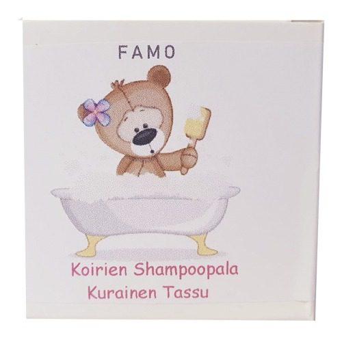 Shampoopala koirille suloisessa rasiassa, jossa on nallekarhu kylpyammeessa.